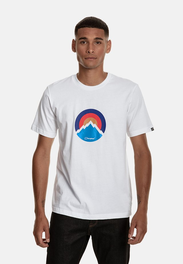 MODERN MOUNTAIN  - Print T-shirt - white