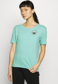 Burton - WOMENS ASHMORE SHORT SLEEVE SCOOP - T-shirts med print - buoy blue - 0