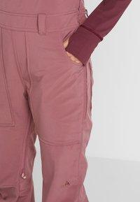 Burton - AVALON BIB - Zimní kalhoty - rose brown - 3