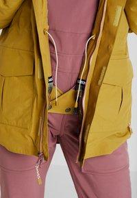 Burton - RUNESTONE - Snowboard jacket - camel - 6