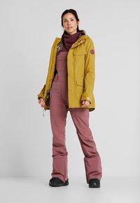 Burton - RUNESTONE - Snowboard jacket - camel - 1