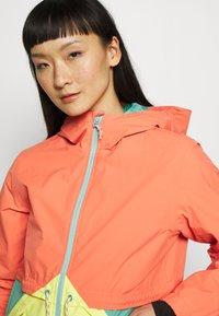 Burton - WOMEN'S NARRAWAY JACKET - Regenjacke / wasserabweisende Jacke - pink sherbet multi - 4