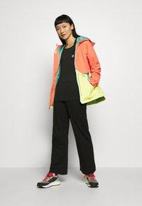 Burton - WOMEN'S NARRAWAY JACKET - Regenjacke / wasserabweisende Jacke - pink sherbet multi - 1
