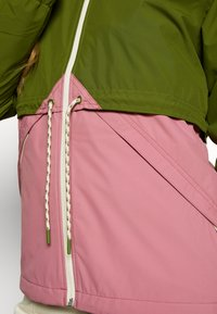 Burton - WOMEN'S NARRAWAY JACKET - Impermeable - pesto green/rosebud - 5