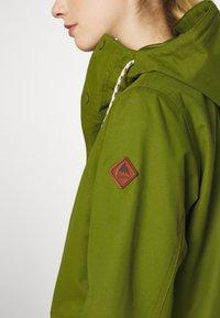 Burton - WOMENS SADIE JACKET - Outdoor jacket - pesto green - 9