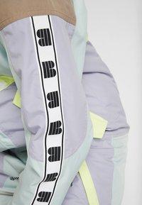 Burton - LOYLE ONE PIECE - Spodnie narciarskie - lilac - 8