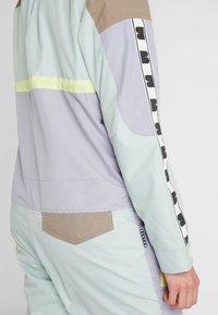 Burton - LOYLE ONE PIECE - Spodnie narciarskie - lilac - 6