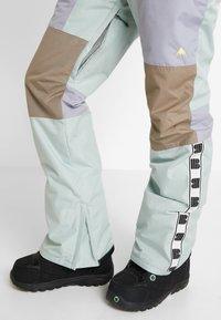 Burton - LOYLE ONE PIECE - Spodnie narciarskie - lilac - 5