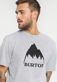 Burton - CLASSIC MOUNTAIN HIGH - T-shirts med print - gray heather - 3