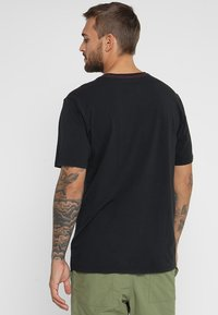 Burton - UNDERHILL - Camiseta estampada - true black - 2