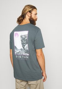 Burton - MEN'S INKWOOD SHORT SLEEVE - T-shirts med print - dark slate - 0
