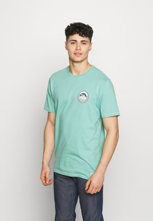 MENS LAND SHORT SLEEVE  - T-shirts med print - buoy blue