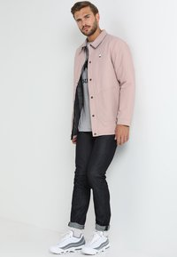 Burton - PELTER  - Winter jacket - fawn - 1
