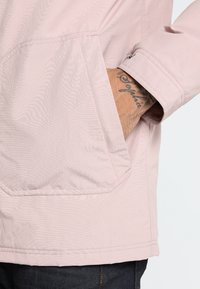 Burton - PELTER  - Winter jacket - fawn - 4