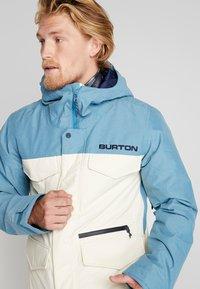 Burton - COVERT - Snowboard jacket - off-white - 3