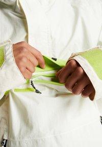 Burton - FROSTNER ANORAK - Snowboard jacket - white - 7