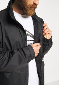 Burton - MEN'S MELTER JACKET - Snowboardjacka - true black - 5