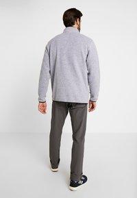 Burton - HEARTH  - Bluza z polaru - gray heather - 2