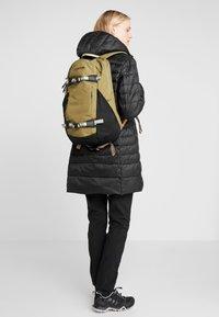 Burton - DAYHIKER 25L              - Backpack - olive - 5