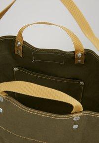 Bag N Noun - TOOL BAG - Shoppingväska - olive - 4