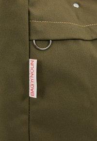 Bag N Noun - TOOL BAG - Shoppingväska - olive - 7