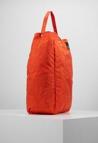 Bag N Noun - TOOL BAG - Shoppingväska - red - 3