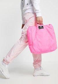Bag N Noun - TOOL BAG - Tote bag - pink - 1