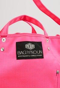 Bag N Noun - TOOL BAG - Tote bag - pink - 7