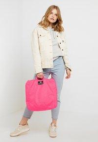 Bag N Noun - TOOL BAG - Tote bag - pink - 5