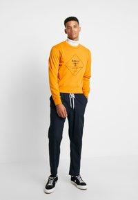 Barbour Beacon - OUTLINE  - Sweatshirt - golden oak - 1