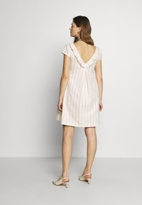 Balloon - LOW BACK DRESS WITH STRIPES - Sukienka letnia - offwhite/red - 2