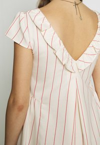 Balloon - LOW BACK DRESS WITH STRIPES - Sukienka letnia - offwhite/red - 5