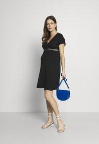 Balloon - NURSING WRAP DRESS - Žerzejové šaty - black - 1