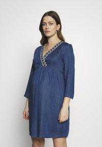 Balloon - DRESS WITH WRAP NECKLINE - Sukienka z dżerseju - blue - 0