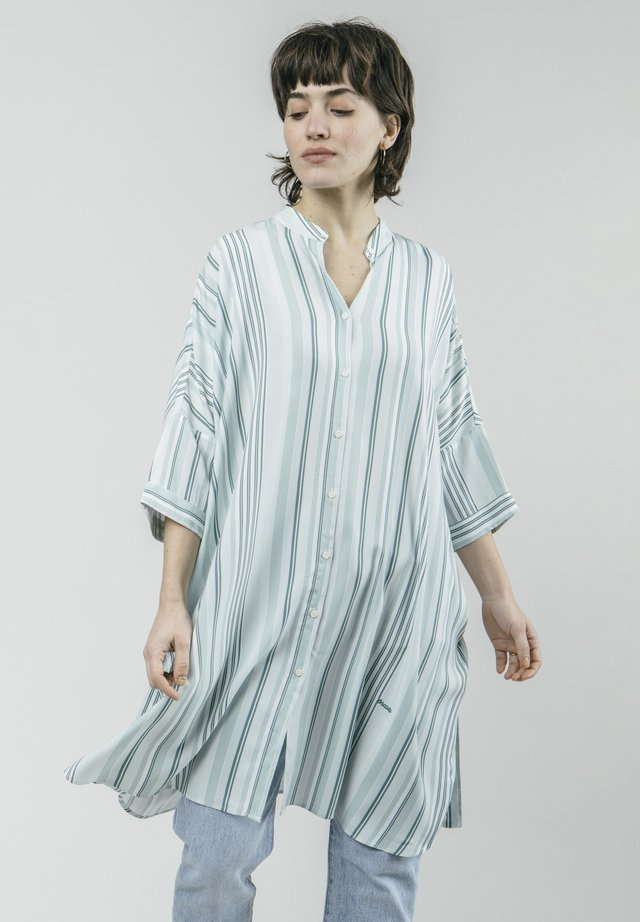 AQUA PROMENADE - Shirt dress - green