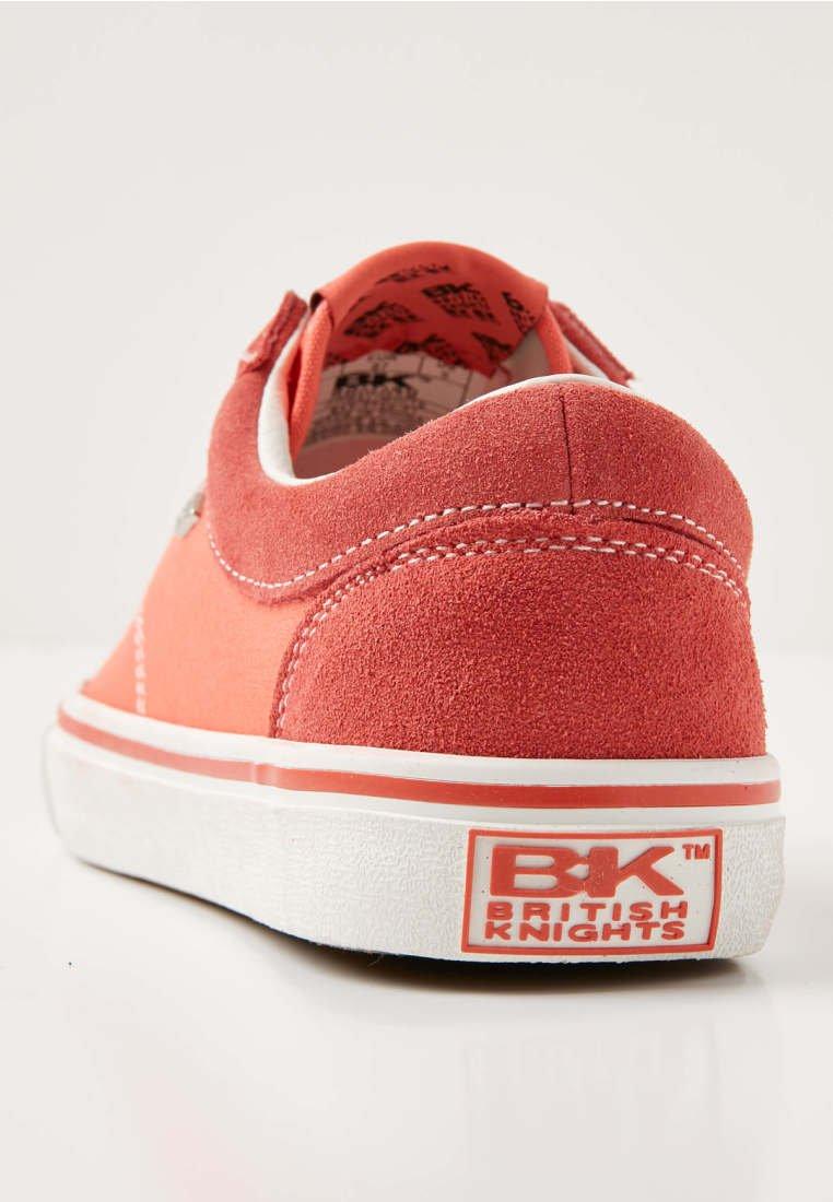 Knights CoralWhite British British MackSneakers Knights Basse CoralWhite MackSneakers British Knights Basse sQdBhrCotx