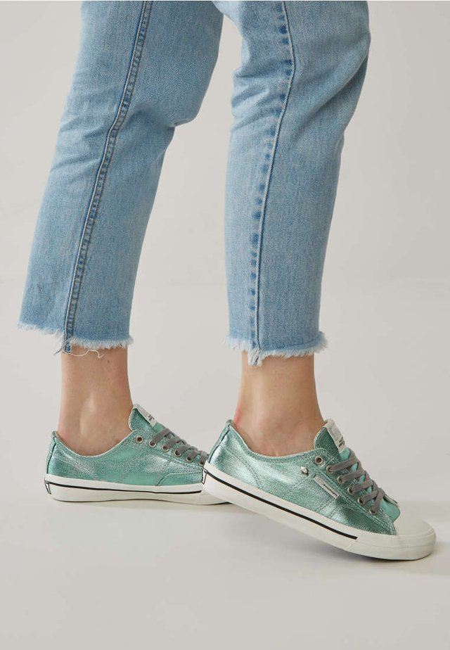 CHASE - Trainers - green