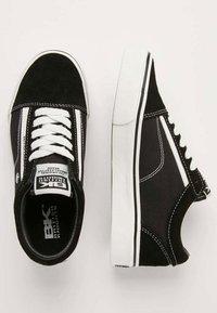 British Knights - Zapatillas - black/white - 2