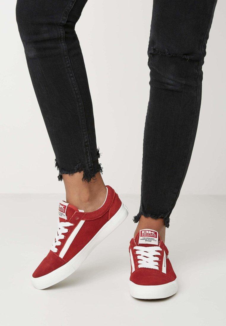 British Knights - MACK - Skate shoes - red/white