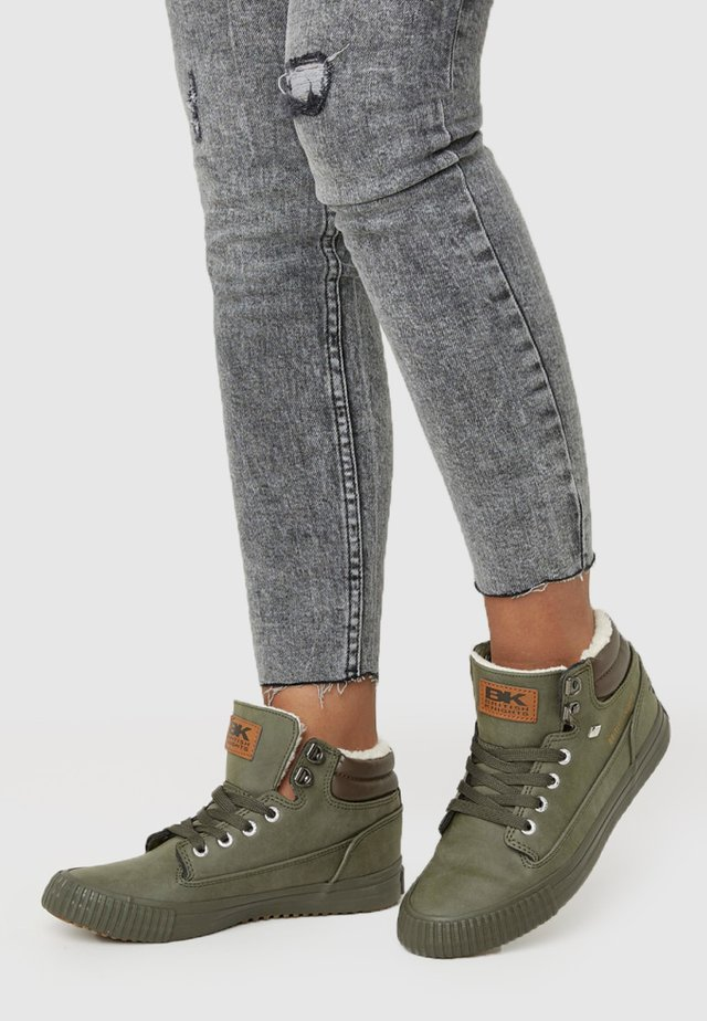 BUCK - High-top trainers - grey/olive