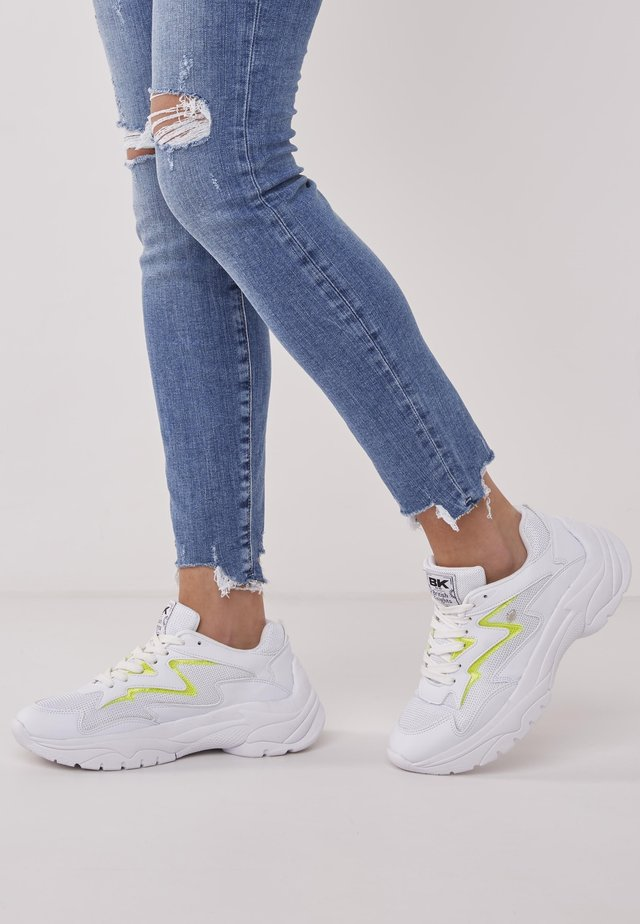 GALAXY - Trainers - white/neon yellow