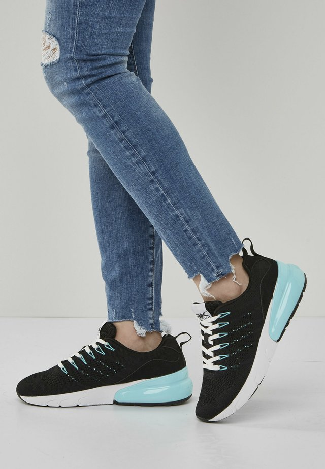 Trainers - black/mint