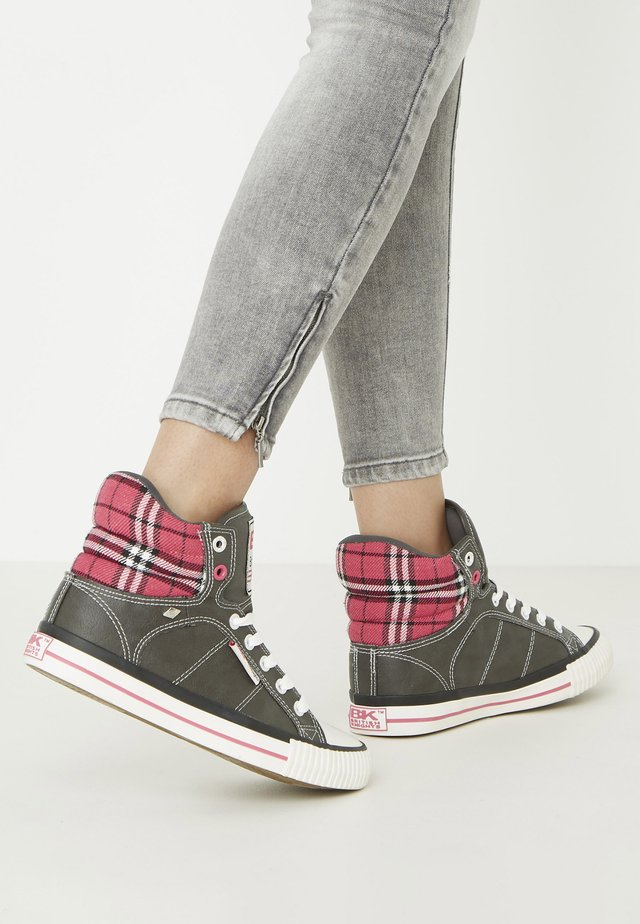 ATOLL - Sneakersy niskie - dk grey/fuchsia checker