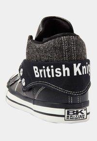British Knights - ROCO - Korkeavartiset tennarit - black/off-white - 3