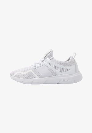 FUSE - Trainers - white
