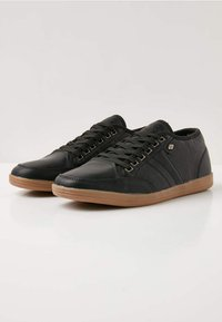 British Knights - SURTO - Trainers - black
