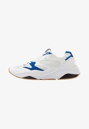 ATOM  - Zapatillas - white