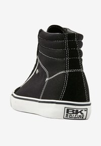 British Knights - MACK  - Zapatillas altas - black/white - 3