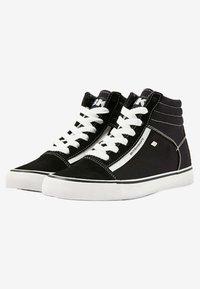British Knights - MACK  - Zapatillas altas - black/white - 2