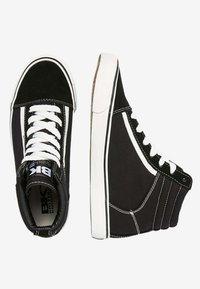 British Knights - MACK  - Zapatillas altas - black/white - 1